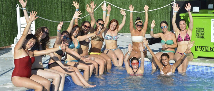 Ideas para despedidas de soltero pool party